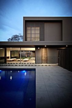 Bay Residence in Melbourne by Urban Angles