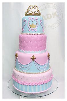 Bolo Princesa by linda Baby Cakes, Baby Shower Cakes, Girl Cakes, Beautiful Birthday Cakes, Gorgeous Cakes, Amazing Cakes, Princess Wedding Cakes, Camo Wedding Cakes, Princess Cakes