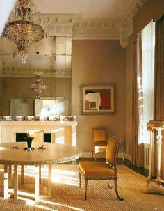 Designer Veere Grenney's victorian apt. in London. Adore the mirror detailing