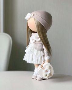 Выполнена на заказ НЕ ПРОДАЕТСЯ⛔️#мастеркласс#мк#кукла#куклаизткани#кукланазаказ#подарок#декор#куклавподарок#кукланазаказ#кукларучнойработы#куклатильда#шеббишик#ручнаяработа#интерьернаяигрушка#игрушку#тильда#ткань#выставка#decor#tilda#интерьернаякукла#текстильнаякукла#хендмейд#стильныеаещи#decor#текстильнаякукла#интерьернаякукла#москва#дети#кукласочи#сочи