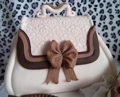 Kabelka- postup  3 Hugs, Mini, Cake, Desserts, Food, Big Hugs, Pastel, Deserts, Kuchen