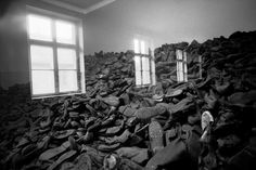 Erich Hartmann POLAND. Oswiecim. 1994. A display of shoes at Auschwitz concentration camp.