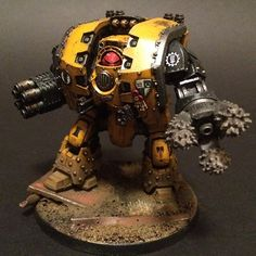 Amazing Imperial Fist Leviathan Dreadnought by unknown artist. Please contact me if you know who did this so I can give proper credit.