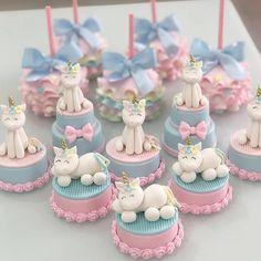 Cookies Rosa, Rose Cookies, Unicorn Cupcakes, Unicorn Cake Topper, Cake Decorating Tutorials, Cookie Decorating, Cupcake Party, Cupcake Cakes, Unicorn Cake Design