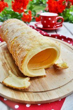 Gabriella kalandjai a konyhában :) Hungarian Desserts, Hungarian Recipes, Kurtos Kalacs, My Recipes, Favorite Recipes, Chimney Cake, Bread Bun, Chicken Wing Recipes, Sweet And Salty