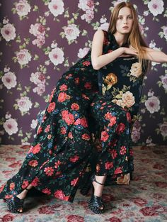 """""""Garden of Love"""" Rianne van Rompaey by Daniel Jackson for Vogue China, Celine (Phoebe Philo) Daily Fashion, Trendy Fashion, Fashion Show, Luxury Fashion, Womens Fashion, Fashion Design, Dope Fashion, Timeless Fashion, Style Fashion"""