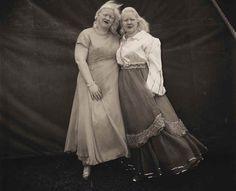 Albino sword swallower and her sister,1970 Diane Arbus
