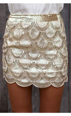 I'd find the occasion to wear this skirt!