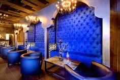 tufted wall/booth