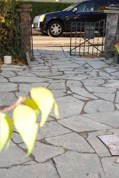 Offerdal Oregelbunden är en skifferplatta som blir mycket vacker till ditt utomhusbygge. #skiffer