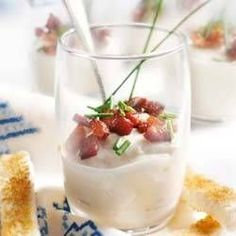 Amuse of cauliflower cream with bacon Homemade Recipe Books, I Love Food, Good Food, Tapas Menu, Bistro Food, Dutch Recipes, Buffet, Sandwiches, Recipes