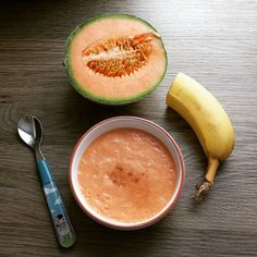 Cantaloupe Melon & Banana Puree My baby boy loved this puree! Perfect for a hot summer day! 👍👍👍 This makes a great smoothie for kids and adults too! 👍😋 Cantaloupe are rich in Vitamins A and C. They are the small and pale green m… Baby Puree Recipes, Pureed Food Recipes, Baby Food Recipes, Green Melon, Cantaloupe And Melon, Toddler Meals, Kids Meals, Baby Tips, Healthy Toddler Meals