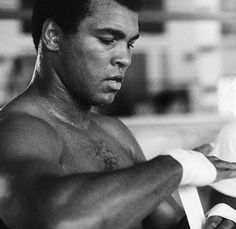 Patience is key! Muhammad Ali Boxing, Muhammad Ali Quotes, Mohamed Ali, Heavyweight Boxing, Sting Like A Bee, Float Like A Butterfly, Hometown Heroes, Boxing Champions, Mike Tyson