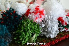Make your own Pom Poms (Tutorial)
