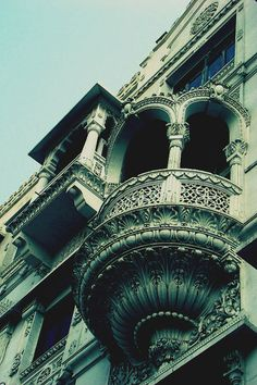 I absolutely love intricate, old architecture. It's a shame modern buildings don't usually look like this. Old Buildings, Modern Buildings, Beautiful Buildings, Historical Architecture, Architecture Details, Gothic Architecture, Dream Photography, Industrial Photography, Dark Places