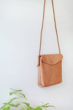 Small Leather Bag, Leather Purses, Leather Handbags, Leather Totes, Small Leather Crossbody Bag, Diy Leather Tote Bag, Leather Clutch, Sewing Leather, Leather Cord