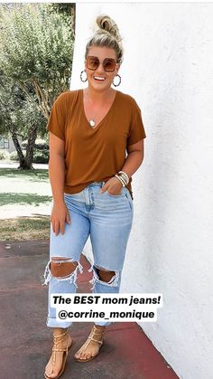 Summer Outfits For Moms, Casual Summer Outfits, Stylish Outfits, Fall Outfits, Summer Skinny Jeans Outfits, Bbq Outfit Ideas Casual, Boyfriend Jeans Outfit Casual, Casual Summer Style, Cropped Jeans Outfit