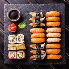 The most delicious sushi recipes - okoko recipes Sushi Recipes, Asian Recipes, Sushi Comida, Cute Food, Yummy Food, Delicious Recipes, Japanese Food Sushi, Japanese Dinner, Japanese Desserts