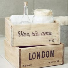 Gorsh.net | Cajón de madera Vive, ríe, ama Wood Crates, Wood Boxes, Furniture Makeover, Diy Furniture, Shabby Chic Shops, Casa Top, Wood Packaging, Painted Wooden Signs, Wooden Flowers