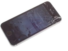 How to replace a broken iPhone 5S screen - CNET. Did you crack your screen on your new iPhone 5S? Here's how to fix that without boxing it up and sending it to Apple.