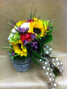 #summer #wedding #sunflowers #polka dots #whimsy Wedding Sunflowers, Summer Wedding, Wedding Bouquets, Polka Dots, Table Decorations, Create, Plants, Home Decor, Decoration Home