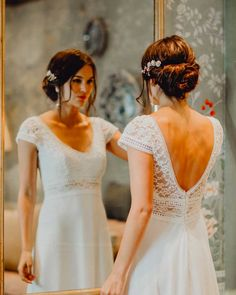 Romantic Lace Wedding Dress - 2020 Collection by Elsa Gary Romantic Lace Wedding Dress - 2020 Collection by Elsa GaryThe time has come to try on your future wedding dress. Dream Wedding Dresses, Boho Wedding, Invite Design, Romantic Lace, Rock Chic, Couture, Black Eyed Peas, Look Fashion, Elsa