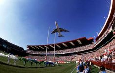 An SAA jumbo jet with the slogan 'Good Luck Bokke' flies over Ellis Park stadium before the 1995 Rugby World Cup Final between South Africa and New Zealand World Cup Champions, Rugby World Cup, Johannesburg City, South Afrika, Welcome Aboard, Port Elizabeth, Live, Continents, Dolores Park