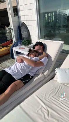 Romantic Couple Kissing, Cute Couples Kissing, Cute Couples Photos, Cute Couples Goals, Romantic Couples, Couple Goals Relationships, Relationship Goals Pictures, Cute Couple Videos, Cute Couple Pictures