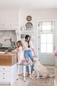 Rachel Parcell e sua cozinha linda, tradicional e elegante