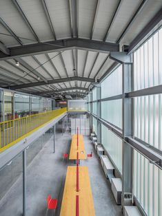 Image 23 of 33 from gallery of Filter Life / Waterfrom Design. Photograph by Kuomin Lee Parque Industrial, Industrial Architecture, Industrial Park, Factory Architecture, Architecture Design, Sustainable Architecture, Building Exterior, Building Design, Warehouse Renovation