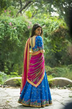 The wedding season is here! Ready to rock the wedding season with the mesmerizing and stylish blouse designs? Not only the bride every girl wants to look at their ethnic best at weddings. Half Saree Designs, Sari Blouse Designs, Lehenga Designs, Half Saree Lehenga, Anarkali Dress, Blue Lehenga, Indian Attire, Indian Outfits, Indian Gowns Dresses