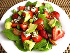 Strawberry and Avocado Spinach Salad in Raspberry Balsamic Vinaigrette Recipe : A fresh summer strawberry and baby spinach salad with avocado and bacon in a raspberry vinaigrette that just screams summer! Avocado Spinach Salad, Strawberry Avocado Salad, Strawberry Balsamic, Strawberry Vinaigrette, Fruit Salad, Strawberry Vinegar, Raspberry Salad, Spinach Salads, Pea Salad