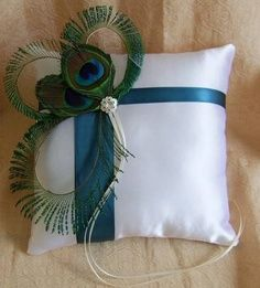 Ring Bearer pillow  bronzebudgetbride.com  #timelesstreasure
