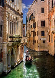 Ook alle vakanties naar Italië vind je op: luvotra.nl Vergelijk en selecteer…