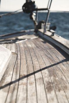 Deck of the GibASA via Laphen