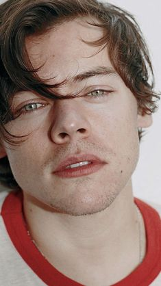 Harry Styles Eyes, Harry Styles Baby, Harry Styles Pictures, Harry Edward Styles, Harry 1d, Foto Fashion, Harry Styles Wallpaper, Mr Style, Larry Stylinson