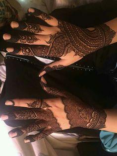 Stylish Mehndi Designs, Unique Mehndi Designs, Dulhan Mehndi Designs, Beautiful Mehndi Design, Latest Mehndi Designs, Mehndi Designs For Hands, Henna Kit, Henna Tattoo Hand, Mehendi