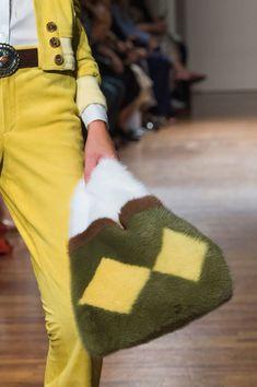 Simonetta Ravizza at Milan Fashion Week Spring 2017 - Details Runway Photos