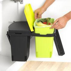 De Brabantia Built-in-Bin prullenbak is de handige tool in het huishouden voor het scheiden van afval.
