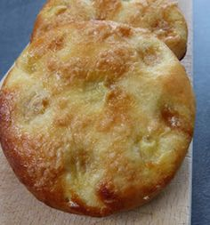 Tartes au sucre au thermomix. Une bonne tarte au sucre, comme on l'aime : simple et parfaitement sucrée! Une recette simple et facile a préparer au thermomix.