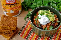Crock Pot Pumpkin Chili - Could you STUFF any more fall into this bowl! Slow Cooker Recipes, Crockpot Recipes, Soup Recipes, Cooking Recipes, Recipies, Yummy Recipes, Vegan Recipes, Crock Pot Soup, Crock Pot Cooking