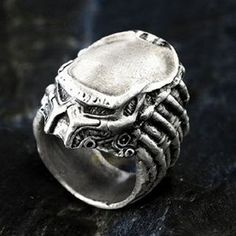 Cheap predator costume, Buy Quality ring meaning directly from China ring presenter Suppliers: Bahamut Unique AVP Aliens Predator AVP Predator Ring Free With Chain Men's Jewelry Rings, Silver Jewelry, Silver Rings, Geek Jewelry, Jewellery, Unusual Rings, Fantasy Jewelry, Ring Necklace, Rings For Men