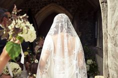Bride wears her Grandmother's Antique Veil | Photography by http://www.rabbitandporkphotography.com/