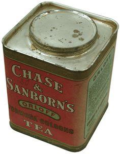 ORLOFF-FORMOSA OOLONG Tea Tin (ORLOFF 牌-福爾摩沙烏龍茶金屬茶罐): 1864年成立之美國著名茶商- Chase & Sanborn 公司約於1900年製造,規格:94x94x120mm,半磅裝,茶罐上下為金屬,罐身為卡紙製成,保存佳.  NT$2,700