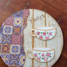 See related links to what you are looking for. Frame Crafts, Wood Crafts, Diy And Crafts, Arts And Crafts, Coffee Bar Home, Coffee Art, Zeina, Wooden Cutouts, Serving Tray Wood