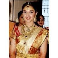 Latest Indian Gold and Diamond Jewellery Designs: Actress Sridevi in Traditional Wedding jewellery and beautiful pattu saree South Indian Bridal Jewellery, Indian Bridal Wear, Indian Jewellery Design, Indian Jewelry, Gold Jewellery, Jewellery Photo, Jewellery Designs, Wedding Jewelry, Antique Jewellery