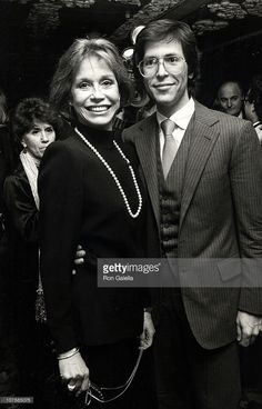 Husband of Dr. Robert Levine Mary Tyler Moore   Mary Tyler Moore and Dr. Robert Levine (Husband) during 'Sweet Sue ...