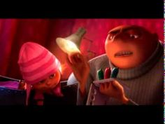 COFFIN, Pierre y RENAUD, Cris (dir.). Despicable Me / Universal Studios (2008). Cuando Gru lee el cuento de los tres gatitos dormilones a Agnes, Edith y Margo.