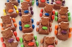 Agreeable kids party Pictures, newly kids party or kids parties 4 menu plans with recipes 93 kids party planner Party Food Buffet, Easy Party Food, Party Food And Drinks, Lunch Ideas For Guests, Kids Menu, Kids Party Finger Foods, Kids Party Planner, Party Treats, Party Nibbles