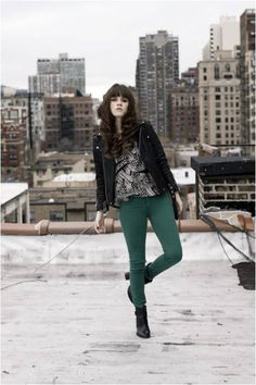Rachel wearing Bullhead Black Colored Denim Leggings. http://www.gsom.com/blog